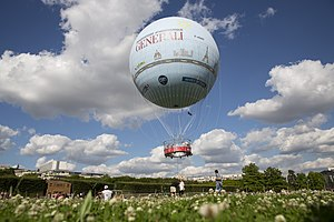 Ballon Generali taking off.jpg