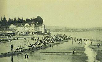 Capitola, California - Beach scene at Capitola, 1905