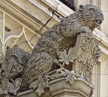 Stone sculpture of a beaver over an entrance to the Parliament Building of Canada