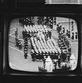 Begrafenis Churchill vanaf televisie, Bestanddeelnr 917-3885.jpg