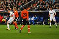 Benzema agarrado - Flickr - Jan S0L0.jpg