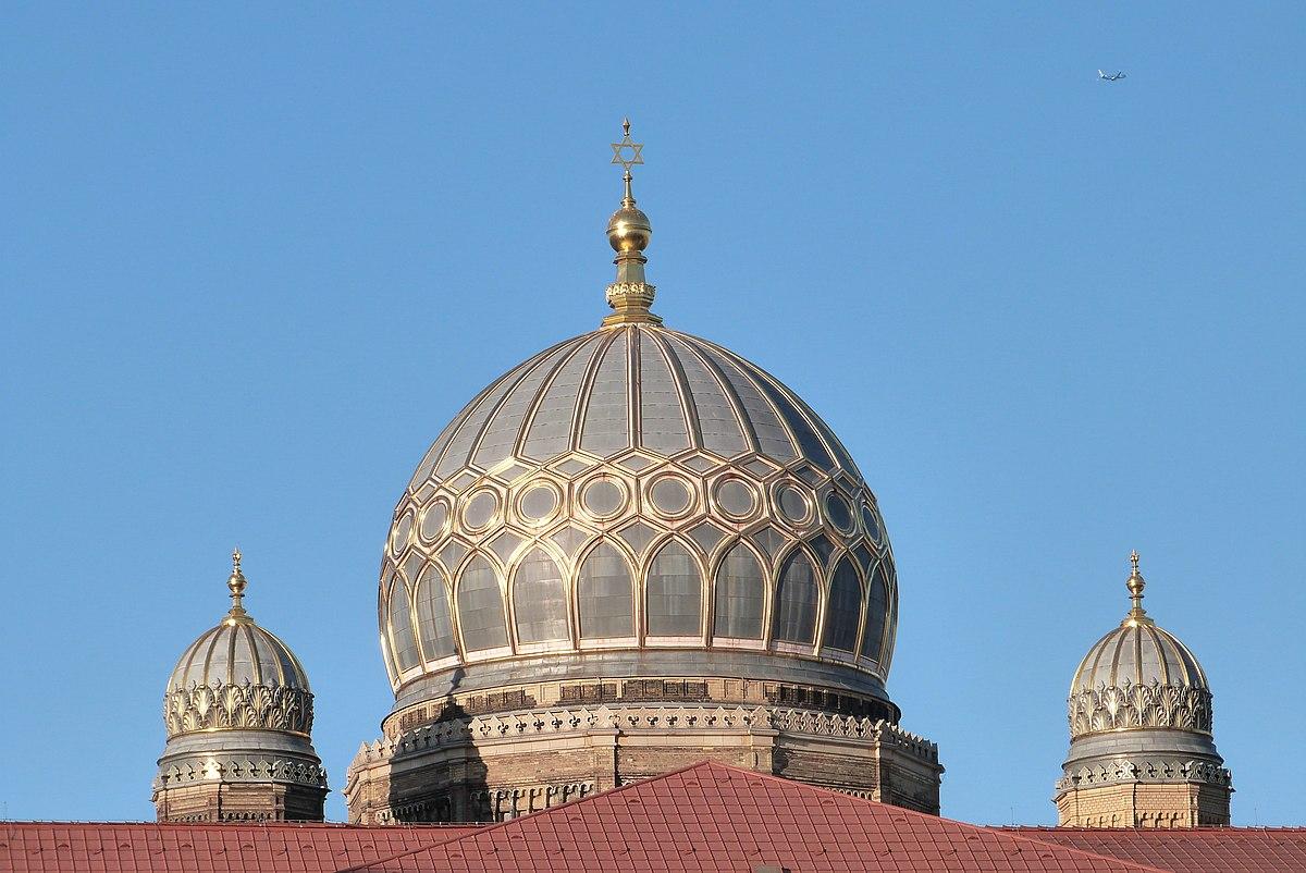 Berlin, Kuppeln der Synagoge in der Oranienburger Straße.JPG