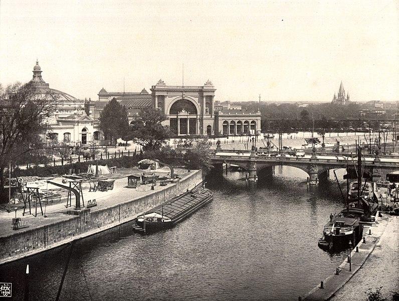 http://upload.wikimedia.org/wikipedia/commons/thumb/8/8f/Berlin_Lehrter_Bahnhof_um_1900.jpg/796px-Berlin_Lehrter_Bahnhof_um_1900.jpg