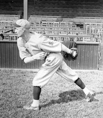 Bill Doak - Image: Bill doak pitcher