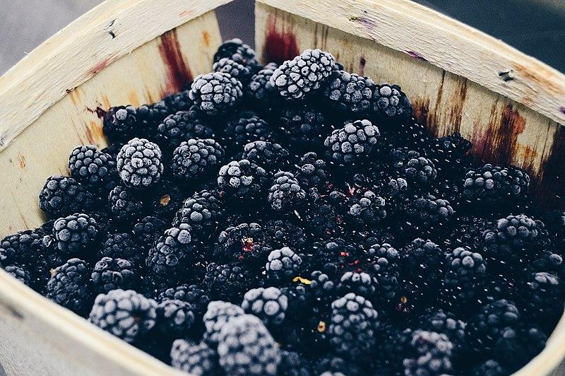 File:Blackberry Basket (Unsplash).jpg