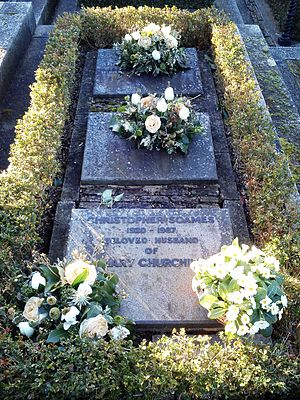 Christopher Soames - Churchill and Soames grave at St Martin's Church, Bladon