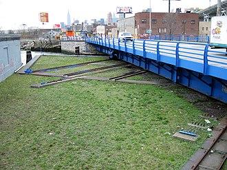 Retractable bridge - Borden Avenue Bridge, Long Island City
