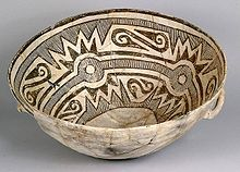 Ceramic bowl with geometric design inside from Chaco Canyon in New Mexico, Pueblo III Era