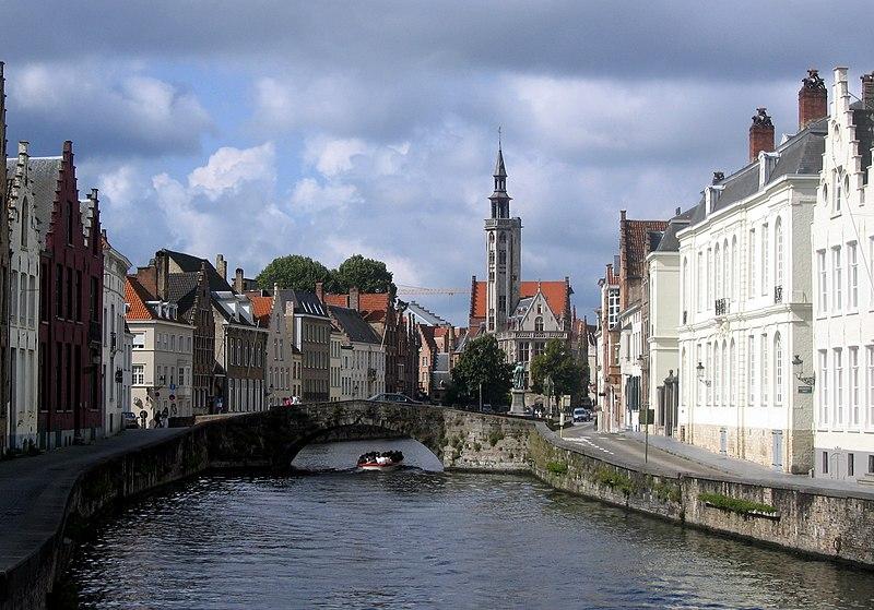 File:Bruggewasser.jpg