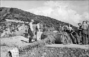 Bundesarchiv Bild 101I-587-2267-24, Italien, befestigte Stellung, Inspektion