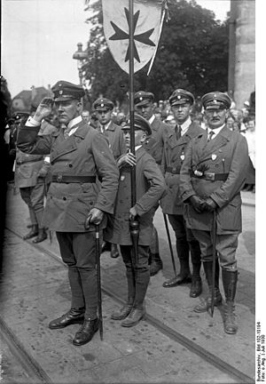 Artur Mahraun - Artur Mahraun, July 1930