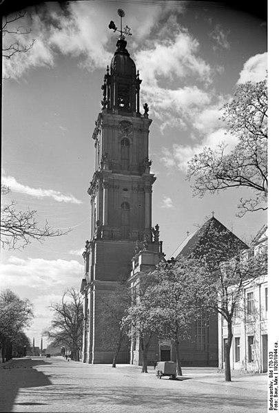 File:Bundesarchiv Bild 170-133, Potsdam, Garnisonkirche.jpg