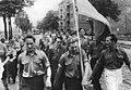 Bundesarchiv Bild 183-Z0316-0327, Berlin, Honecker und Kessler bei FDJ-Demonstration.jpg