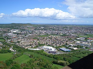 "View of Newtownards from <a href=""http://search.lycos.com/web/?_z=0&q=%22Scrabo%20Tower%22"">Scrabo Tower</a>"