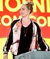 Caity Lotz at the 2016 Phoenix Comicon 01.jpg