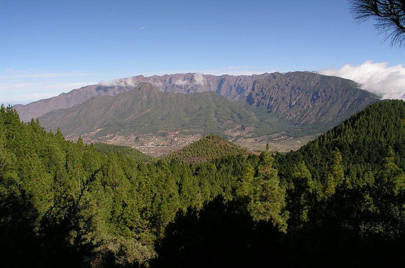 File:Caldera de Taburiente - La Palma.jpg