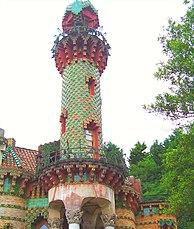 Capricho de Gaudi (4043174263).jpg