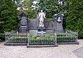 Carl Hirnbein Grabstätte, Weitnau (03).jpg