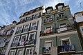 Casas com roupa no balcão (120FAITH 3318) (36645910184).jpg