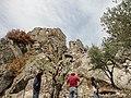 Castello Ruggero (vista dal basso).jpg