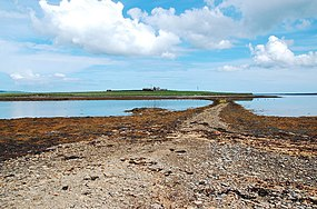 Causeway to the Holm of Grimbister - geograph.org.uk - 1312791.jpg