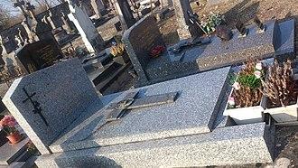 Salima Machamba - Image: Cemetery of Pesmes Ursule Salima Machamba's grave