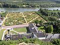 Château de La Roche-Guyon vue potager.JPG