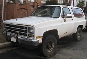 Chevrolet K5 Blazer - 1989–1991 K5 Blazer (Notice that this Blazer has the Scottsdale trim level based on the design of the grille)