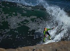 Chico surfeando en Santa Cruz.jpg