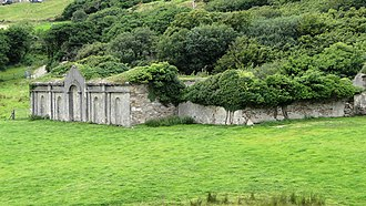Clifden Castle - Ruins of the enclosed farmyard.