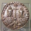 Constantinople Solidus of Romanos I Lekapenos 01.jpg