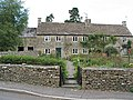 Cotswold Cottages - geograph.org.uk - 544518.jpg