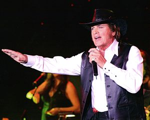 Engelbert Humperdinck (singer) - Humperdinck performing in 2008.