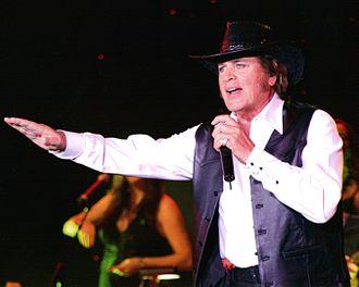 Engelbert Humperdinck (singer) - Humperdinck performing in 2008.