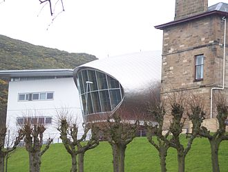 Craiglockhart Hydropathic - View of the side of the campus showing the original Hydropathic building and the newly built Business School.