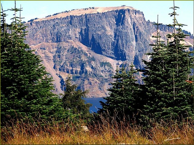 File:Crater Lake NP, OR, Mt. Mazama 8-28-13 (9859813143).jpg