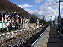 Crosskeys railway station in 2009.jpg