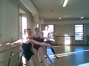 Minnesota Dance Theatre - Level four class en barre