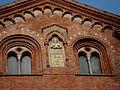 DSC02617 - Milano - Sant'Eustorgio - Dettaglio del fianco - Scultura e stemma - Foto di Giovanni Dall'Orto - 15-jan-2007.jpg