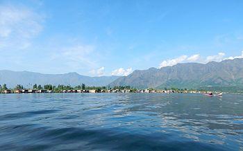 Dal Lake 1.jpg
