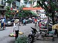 Dans une rue à Hanoi.JPG