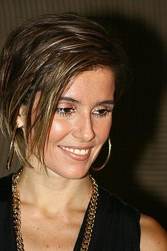 Insensato Coração - Image: Deborah Secco no Crystal Fashion 2007 8