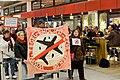 Demonstration für die Schließung des Flughafens Tegel, Berlin, 18.10.2013 (48996480182).jpg