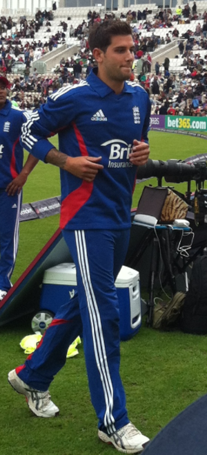 Jade Dernbach - Dernbach playing for England in 2012