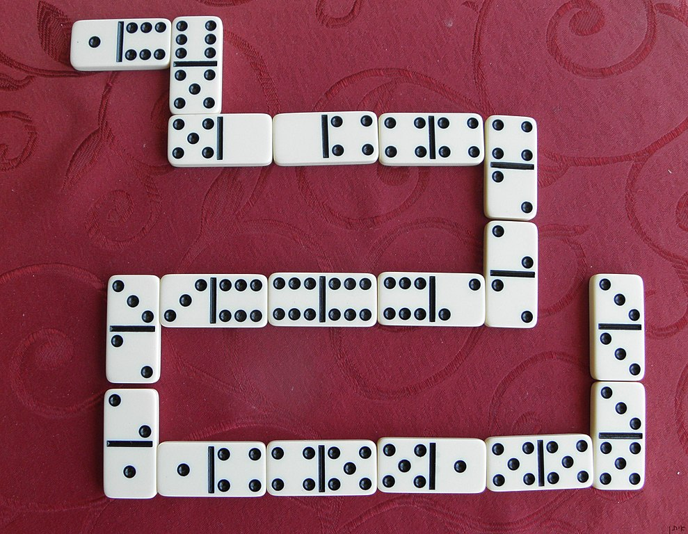 File:Domino game.JPG - Wikimedia Commons