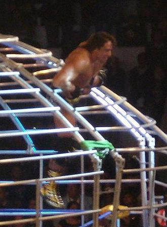 Guerra de Titanes (2009) - El Mesias leaving the Domo de la Muerte in the main event