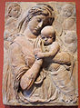 Donatello, madonna col bambino e cherubini, firenze, 1440 ca..JPG