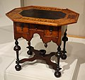 Dressing table, base made in Boston, 1700-1720, top made in Europe probably Switzerland, 1700-1720, walnut with maple, white pine, slate, brass - Winterthur Museum - DSC01467.JPG