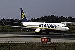 EI-EKC 737 Ryanair OPO.jpg