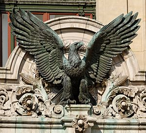Animalier - Eagle by Henri Alfred Jacquemart on the Paris Garnier Opera